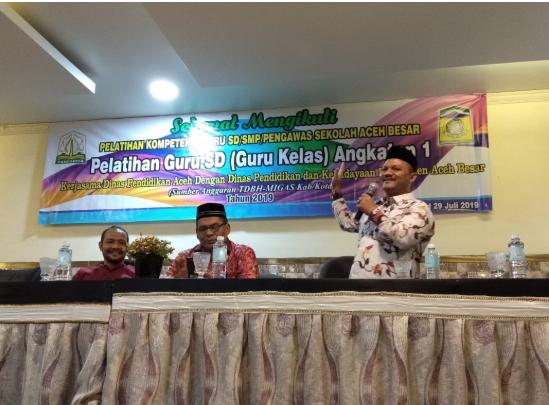 Dr. Silahuddin, M.Ag  Buka Pelatihan Kompetensi Guru SD/SMP/Pengawas Sekolah