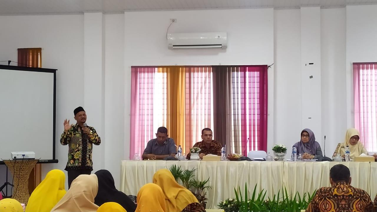 Disdikbud Sosialisasi UASBN-SMP, BOS Hingga Penyerahan Buku Adat & Sejarah Aceh Besar