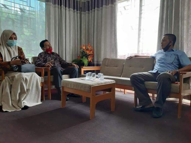 Sekdisdikbud Aceh Besar Terima Kunjungan Kadisdikbud Banda Aceh
