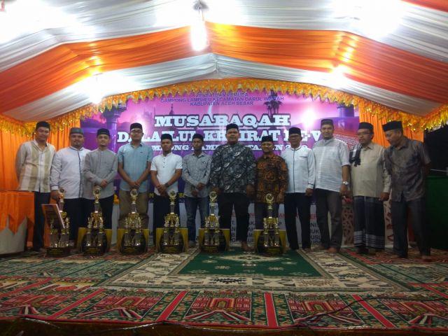 Kadisdikbud Aceh Besar Menutup Musabaqah Dalailul Khairat Ke-VI Gampong Lambheu Darul Imarah