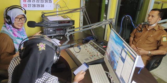 Kabid Kebudayaan Disdikbud dan Ketua Dewan Kesenian Aceh Besar Narasumber Talkshow di Radio Panglima Polem