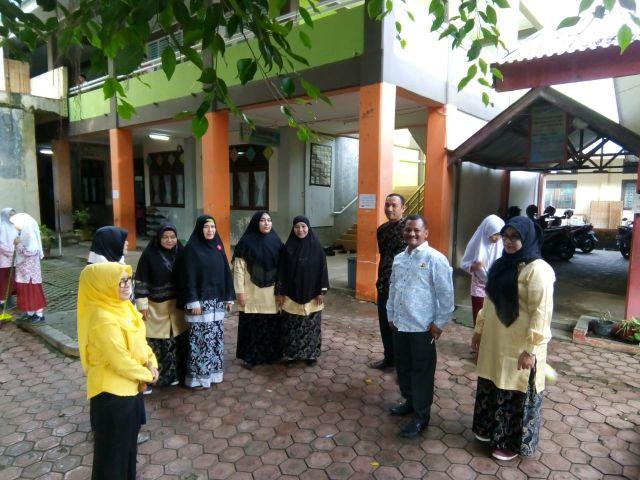 Kadisdikbud Aceh Besar Kunjungi SDN Cot Meuraja, Lhoknga, dan Krueng Raba